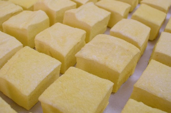 Vanilla and Yellow Sugar Marshmallows
